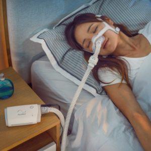 Woman-sleeping-with-AirMini-1MB